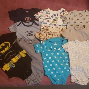 Lot of 10 Baby Onesies 18 months Carter's H&M